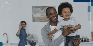 Como economizar com toda a família em casa?